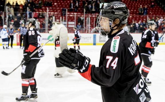 Виталий Кравцов хоккеист